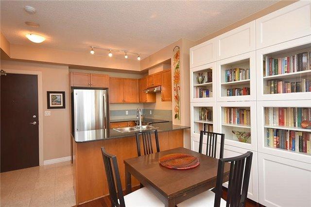 Condo Apartment at 1359 Rathburn Rd E, Unit 704, Mississauga, Ontario. Image 12