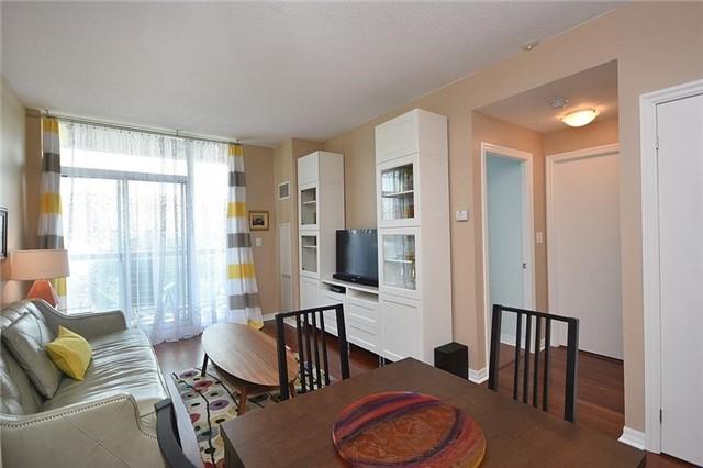 Condo Apartment at 1359 Rathburn Rd E, Unit 704, Mississauga, Ontario. Image 14