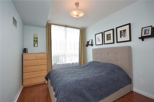 Condo Apartment at 1359 Rathburn Rd E, Unit 704, Mississauga, Ontario. Image 16