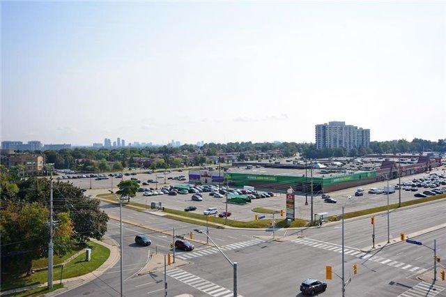 Condo Apartment at 1359 Rathburn Rd E, Unit 704, Mississauga, Ontario. Image 3