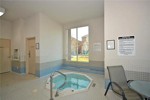 Condo Apartment at 1359 Rathburn Rd E, Unit 704, Mississauga, Ontario. Image 6