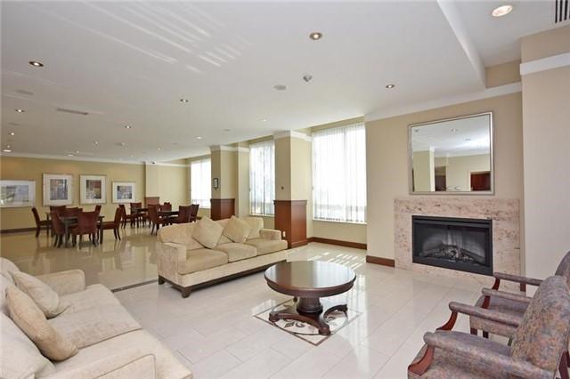 Condo Apartment at 1359 Rathburn Rd E, Unit 704, Mississauga, Ontario. Image 8