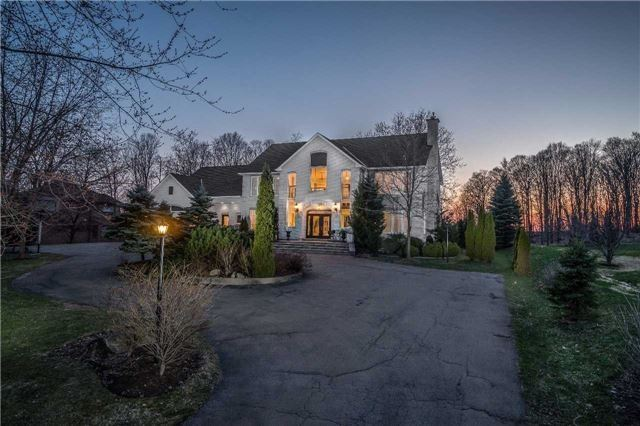 Detached at 16 Country Lane Dr, Caledon, Ontario. Image 1