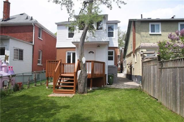 Detached at 15 Somerville Ave, Toronto, Ontario. Image 9