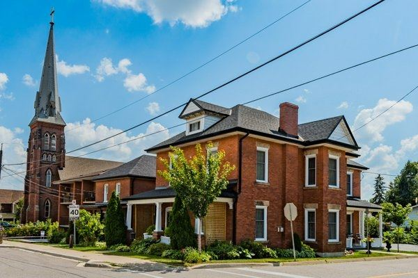 Detached at 2 Main Street South St, Halton Hills, Ontario. Image 13