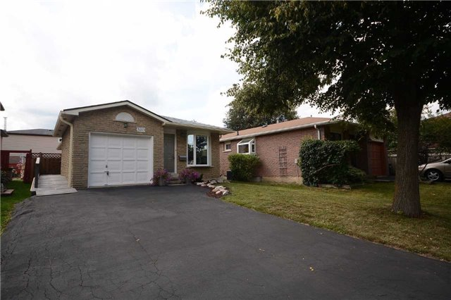Detached at 3103 Harris Cres, Mississauga, Ontario. Image 1