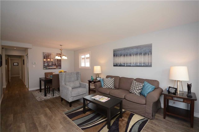 Detached at 3103 Harris Cres, Mississauga, Ontario. Image 15