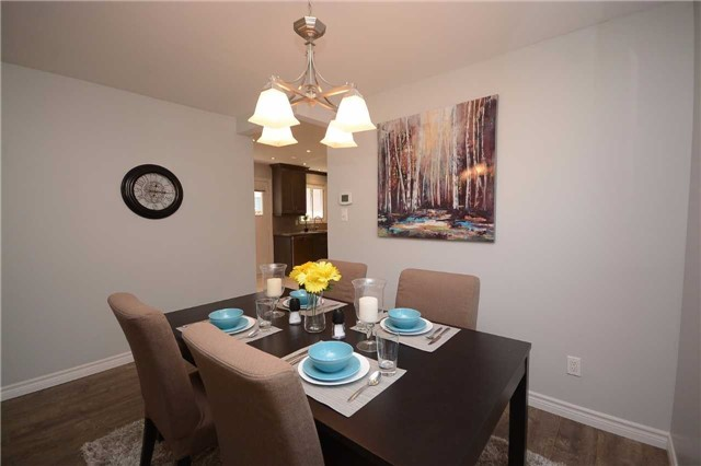 Detached at 3103 Harris Cres, Mississauga, Ontario. Image 18