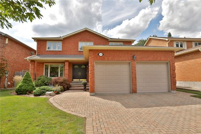 Detached at 2078 Castlefield Cres, Oakville, Ontario. Image 1
