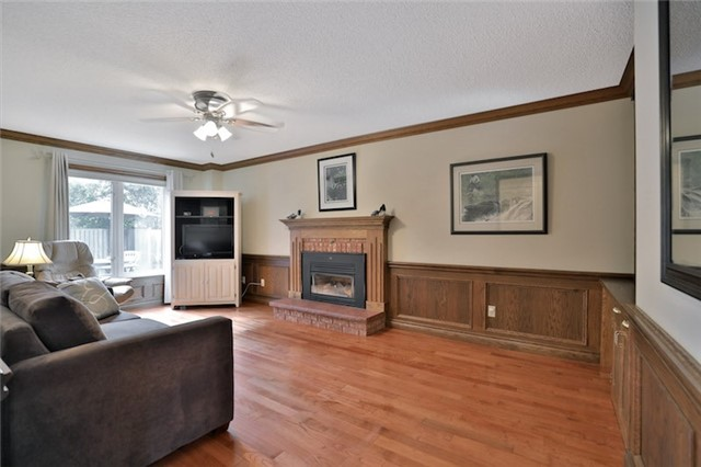 Detached at 2078 Castlefield Cres, Oakville, Ontario. Image 17