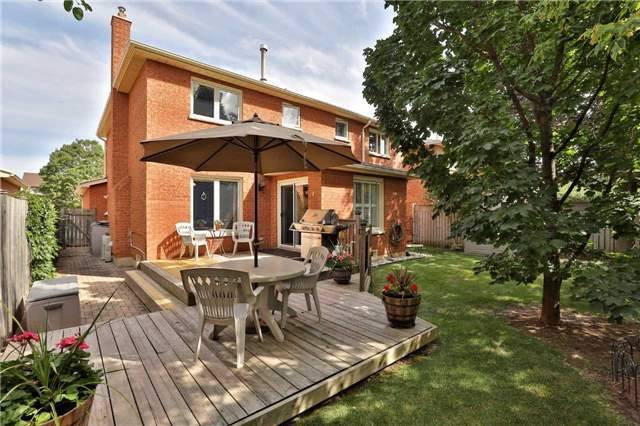 Detached at 2078 Castlefield Cres, Oakville, Ontario. Image 11