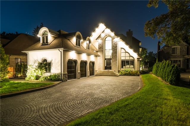 Detached at 2060 Dickson Rd, Mississauga, Ontario. Image 15