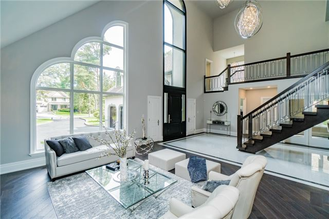 Detached at 2060 Dickson Rd, Mississauga, Ontario. Image 20