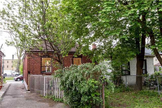 Detached at 584 Ridelle Ave, Toronto, Ontario. Image 13