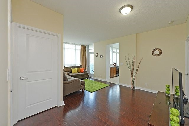 Condo Apartment at 70 Absolute Ave, Unit 503, Mississauga, Ontario. Image 14