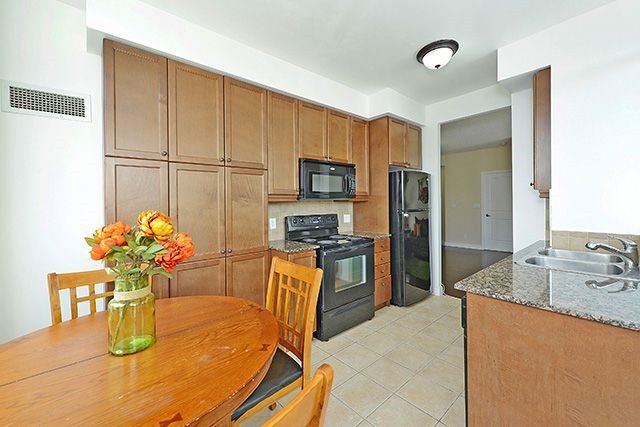 Condo Apartment at 70 Absolute Ave, Unit 503, Mississauga, Ontario. Image 20