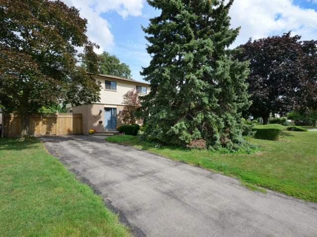 Detached at 62 Dunblaine Cres, Brampton, Ontario. Image 12