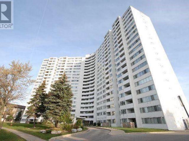 Condo Apartment at 530 Lolita Gdns, Unit 1605, Mississauga, Ontario. Image 1