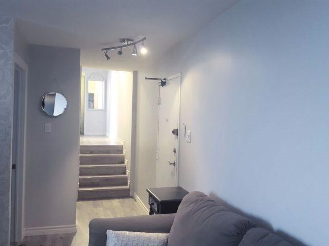 Condo Apartment at 530 Lolita Gdns, Unit 1605, Mississauga, Ontario. Image 3
