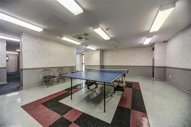 Condo Apartment at 350 Rathburn Rd W, Unit 505, Mississauga, Ontario. Image 9