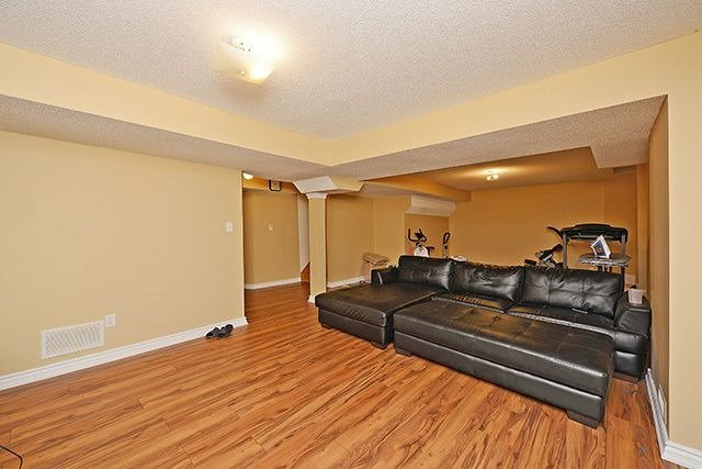 Detached at 84 Stillman Dr, Brampton, Ontario. Image 10