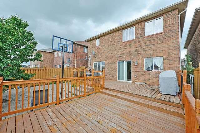 Detached at 84 Stillman Dr, Brampton, Ontario. Image 13