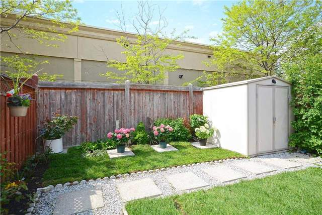 Semi-detached at 409 Oaktree Circ, Mississauga, Ontario. Image 10