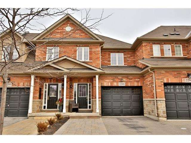 Townhouse at 2295 Whistling Springs Cres, Oakville, Ontario. Image 1