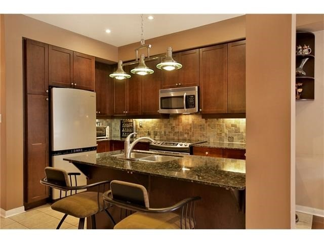 Townhouse at 2295 Whistling Springs Cres, Oakville, Ontario. Image 17
