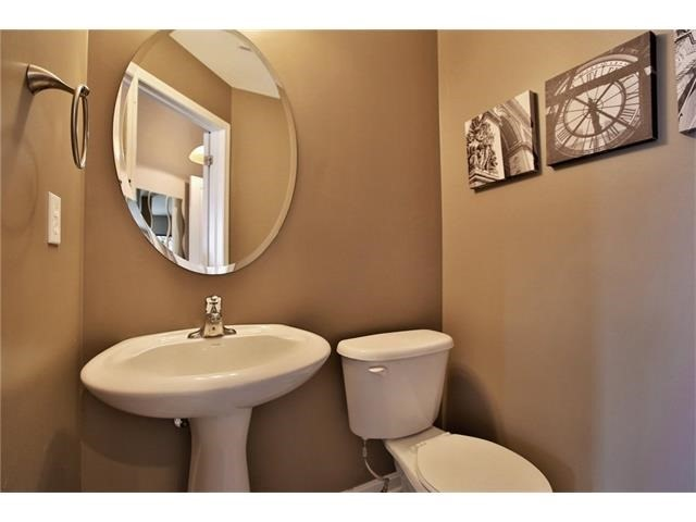 Townhouse at 2295 Whistling Springs Cres, Oakville, Ontario. Image 18