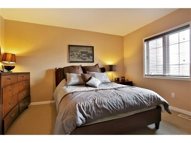 Townhouse at 2295 Whistling Springs Cres, Oakville, Ontario. Image 19