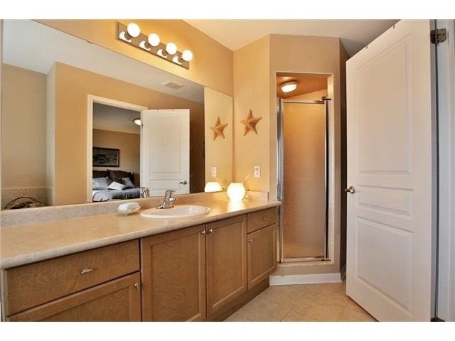 Townhouse at 2295 Whistling Springs Cres, Oakville, Ontario. Image 3