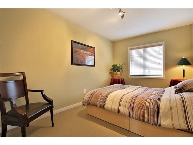 Townhouse at 2295 Whistling Springs Cres, Oakville, Ontario. Image 4