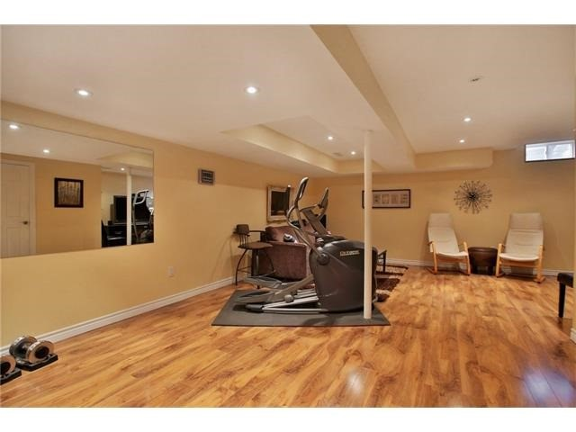 Townhouse at 2295 Whistling Springs Cres, Oakville, Ontario. Image 7