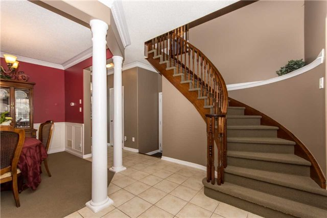 Detached at 928 Philbrook Dr, Milton, Ontario. Image 12