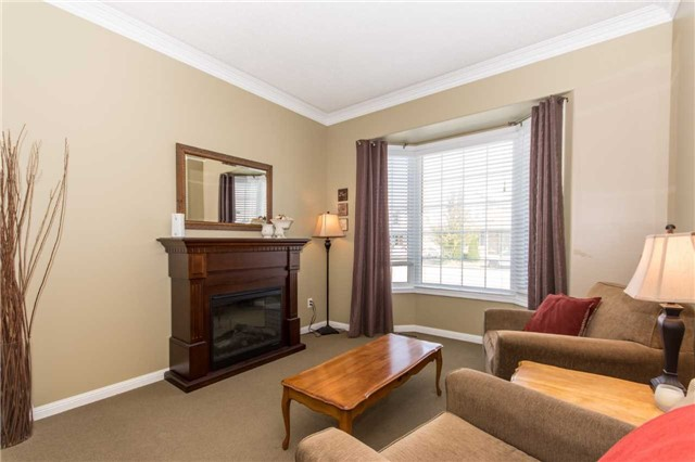 Detached at 928 Philbrook Dr, Milton, Ontario. Image 13