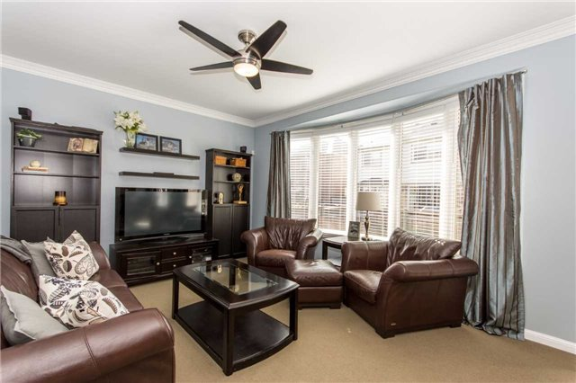 Detached at 928 Philbrook Dr, Milton, Ontario. Image 15