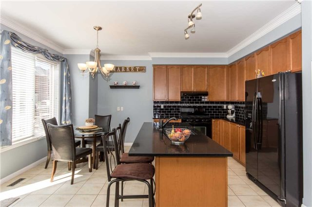 Detached at 928 Philbrook Dr, Milton, Ontario. Image 17
