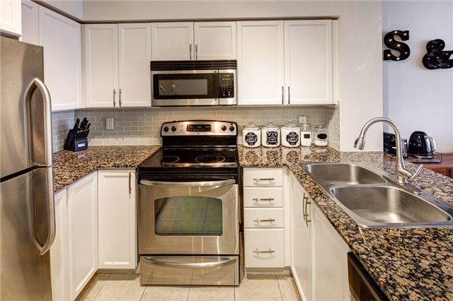 Condo Apartment at 388 Prince Of Wales Dr, Unit 1607, Mississauga, Ontario. Image 14