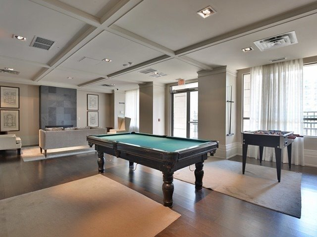 Condo Apartment at 388 Prince Of Wales Dr, Unit 1607, Mississauga, Ontario. Image 10