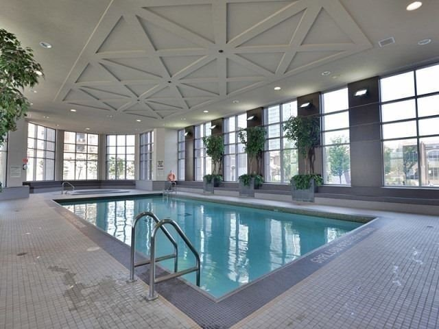 Condo Apartment at 388 Prince Of Wales Dr, Unit 1607, Mississauga, Ontario. Image 13