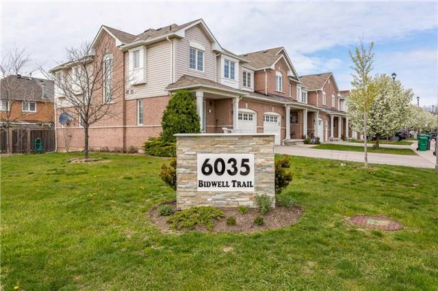 Condo Townhouse at 6035 Bidwell Tr, Unit 106, Mississauga, Ontario. Image 13