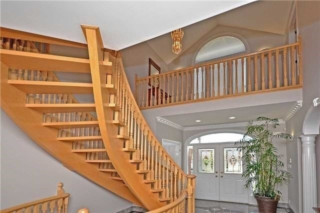 Detached at 1433 Gibson Dr, Oakville, Ontario. Image 13