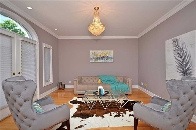 Detached at 1433 Gibson Dr, Oakville, Ontario. Image 14