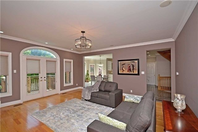 Detached at 1433 Gibson Dr, Oakville, Ontario. Image 15