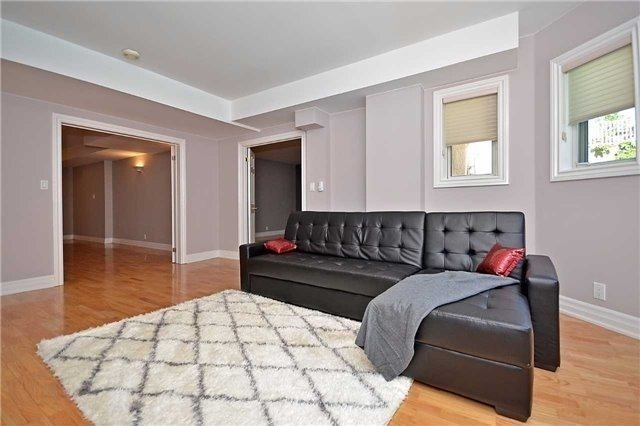 Detached at 1433 Gibson Dr, Oakville, Ontario. Image 3