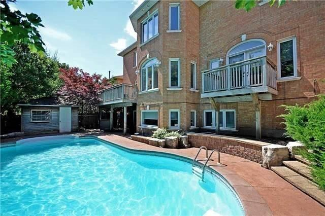 Detached at 1433 Gibson Dr, Oakville, Ontario. Image 11