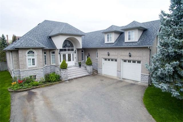 Detached at 2366 Hammond Rd, Mississauga, Ontario. Image 1