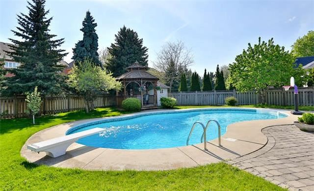 Detached at 2366 Hammond Rd, Mississauga, Ontario. Image 11