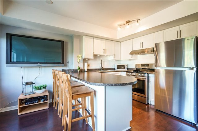 Condo Townhouse at 93 The Queensway Ave W, Unit Th25, Toronto, Ontario. Image 10